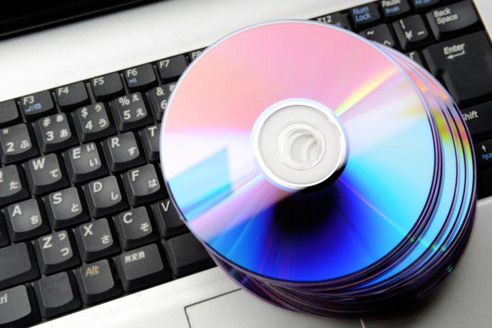 学校や塾がCD、DVDのリスニング教材をストリーミング音声配信する理由